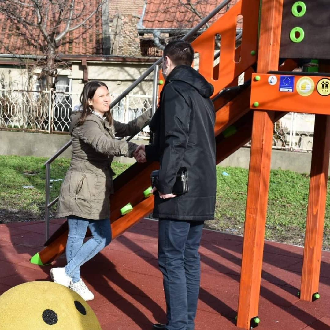 Novo igralište za decu u Knićaninovoj ulici u Požarevcu (FOTO) 48463