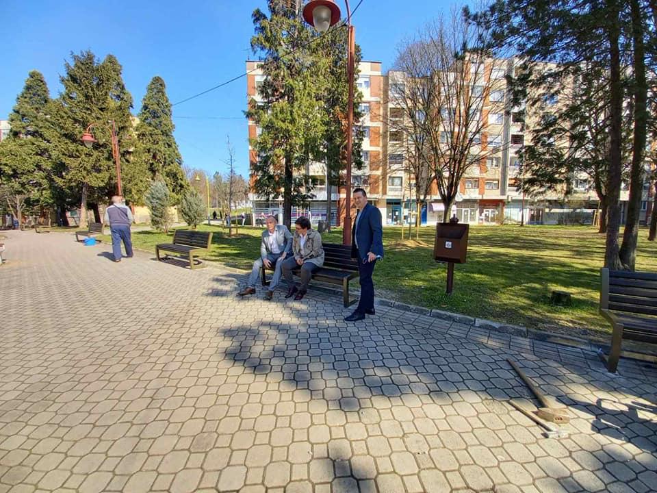 Kostolac: Završeno postavjanje 40 novih parkovskih klupa (FOTO) 52392