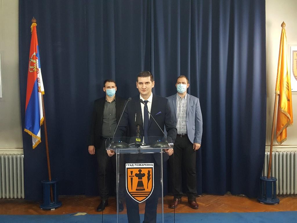 Gradonačelnik Pavlović detaljno obrazložio kupovinu zemljišta fabrike Šećera u stečaju (FOTO) 52882